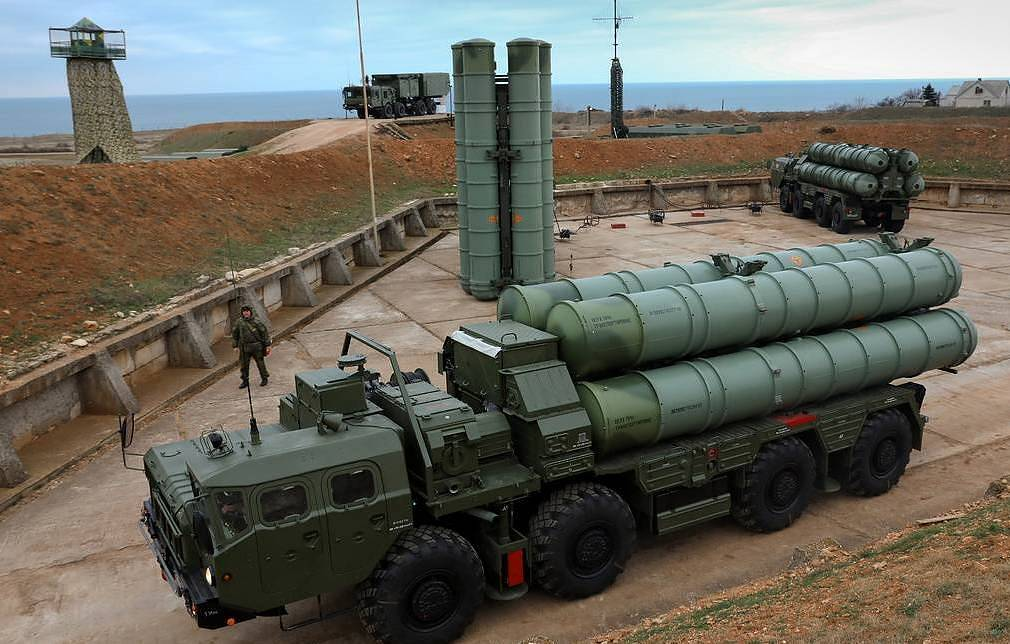 An S-400 surface-to-air missile system Sergei Malgavko  TASS