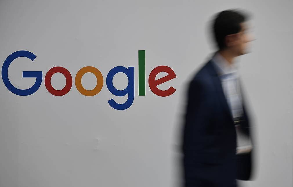 Russia, after protests, tells Google not to advertise
