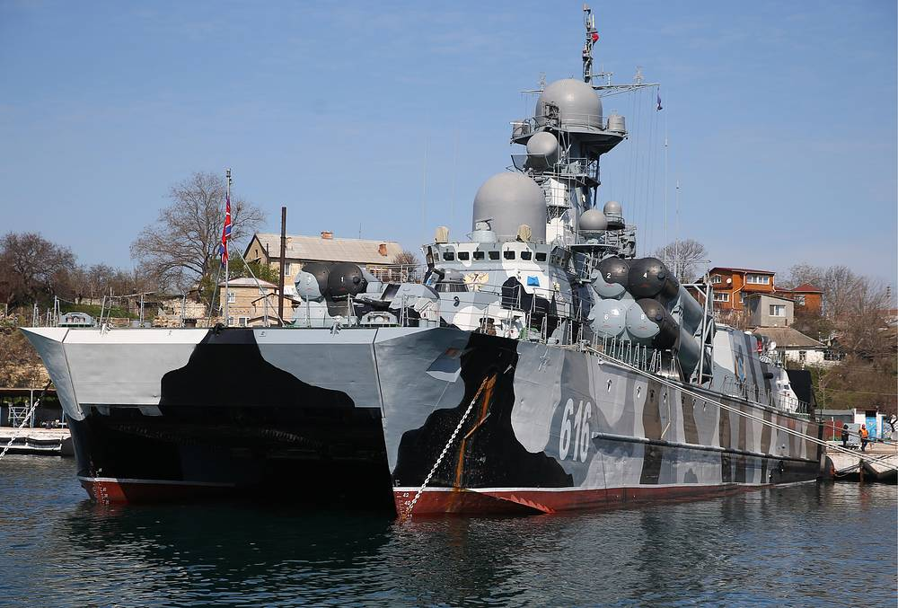 Guided missile corvette Samum in Sevastopol harbour