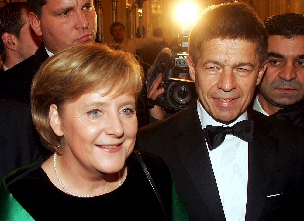 German chancellor Angela Merkel is married to a German scientist Joachim Sauer. Though the couple have no children, Sauer has two sons from his previous marriage. Photo: Angela Merkel  and her husband Joachim Sauer