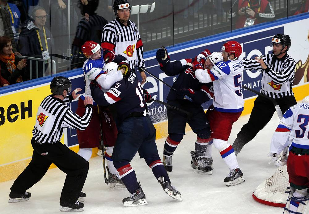 Russia's players fight with USA players
