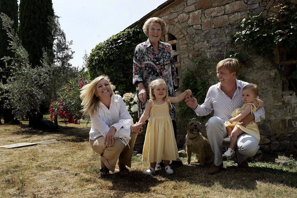 Dutch King Willem-Alexander with his mother Beatrix, wife Maxima and daughters princess Catharina-Amalia (center) and princess Alexia  at their Italian holiday residence in Tavernelle