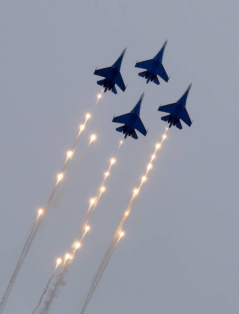 Russkiye Vityazi Aerobatic team (Russian Knights) on Su-27 fighters