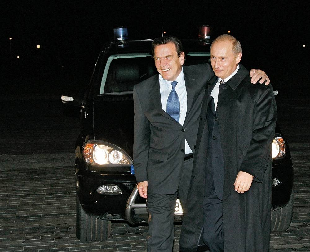 Later this day he met with former chancellor of Germany Gerhard Schröder