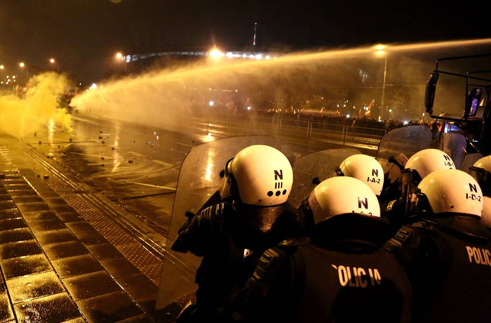 The police had to use water cannons, tear gas and rubber bullets against them