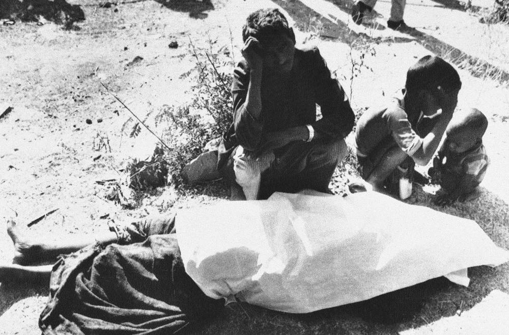 In 1989, Union Carbide paid $470m to settle litigation stemming from the disaster. Photo: Indians mourn a victim of poisonous gas leak from the Union Carbide plant in the central Indian city of Bhopal, 1984