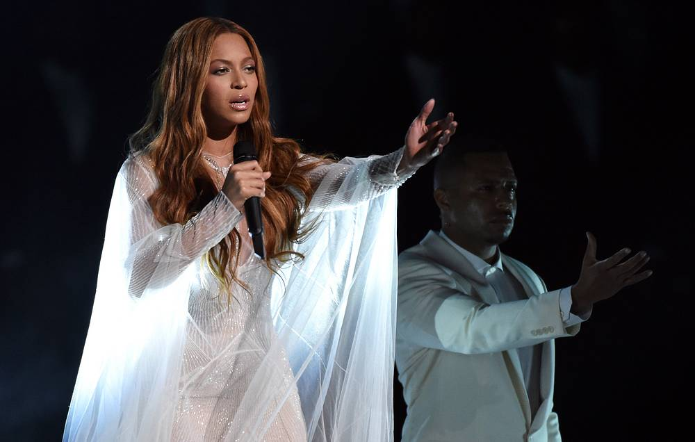 Beyonce at the 57th Grammy Awards