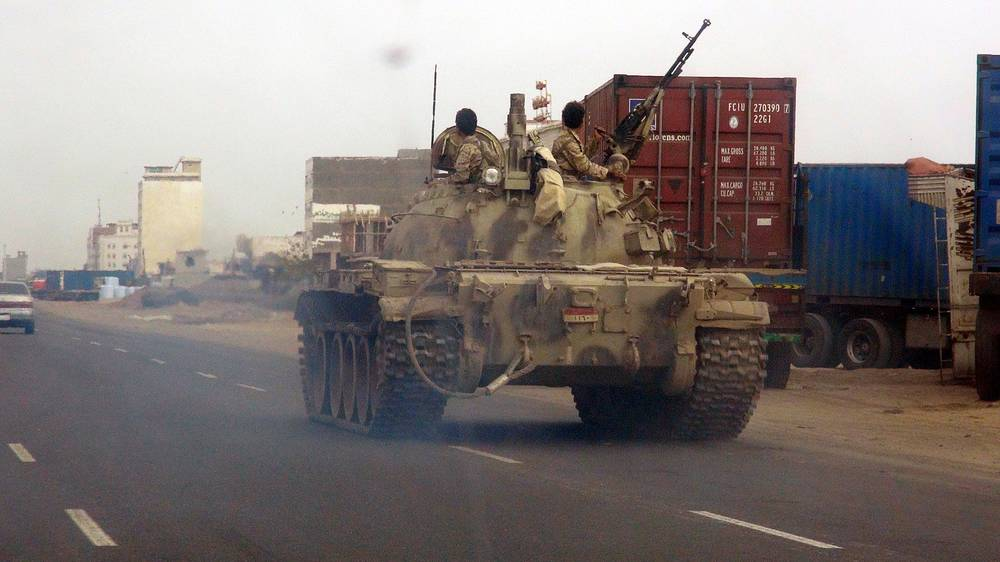 Confrontation between Shiite rebels, supporters of the movement Ansar Allah (Houthi), and the government armed forces faithful to the Yemeni president Abd Rabbo Mansour Hadi recently escalated. Photo: A tank belonging to the Yemeni armed forces