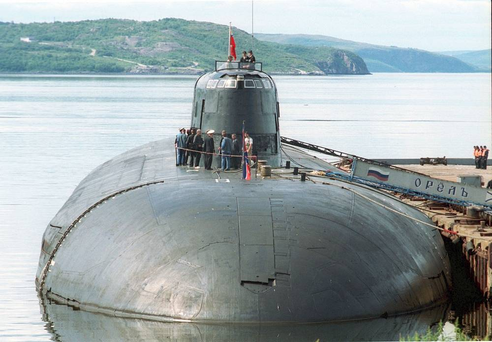 The Oryol nuclear submarine in 2001