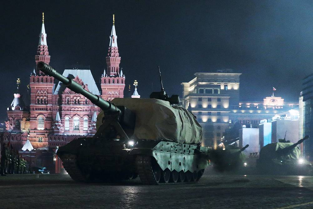 Military hardware seen in downtown Moscow