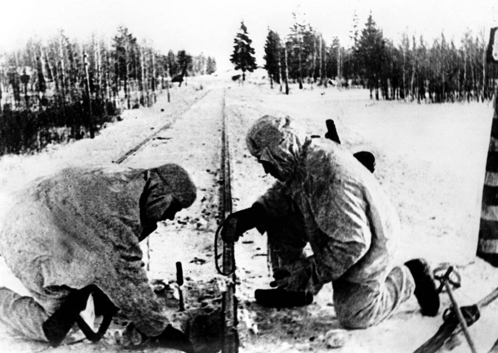 Defense of Moscow during World War II. A group of airborne troopers mining a railroad, 1941