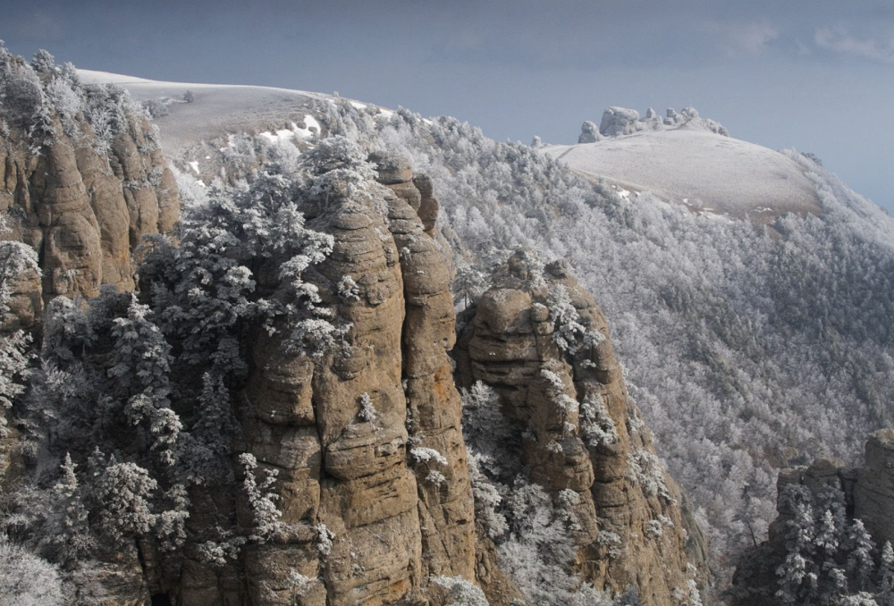 Winter carpet covered hills, by Sergei Novozhilov. Photo: Demerdji, Crimea