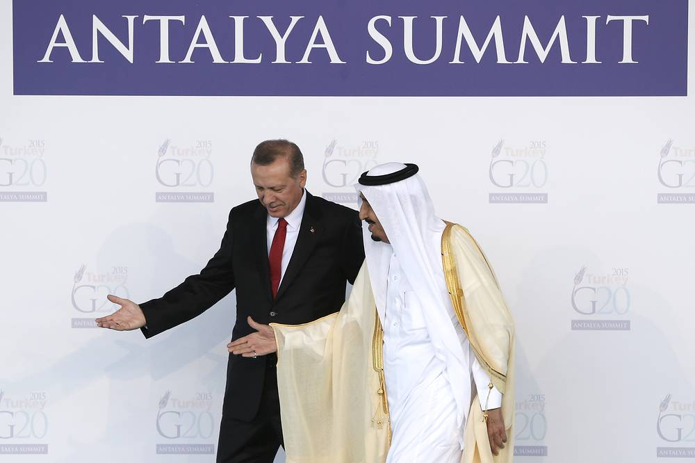 Turkish President Recep Tayyip Erdogan welcoming King of Saudi Arabia, Salman bin Abdulaziz Al Saud during G20 summit in Antalya