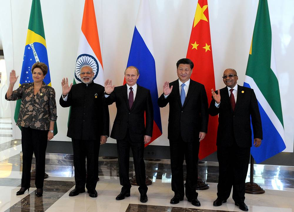 Brazil's President Dilma Rousseff, India's Prime Minister Narendra Modi, Russia's President Vladimir Putin, China's President Xi Jinping and South Africa's President Jacob Zuma ahead of a meeting of the leaders of the BRICS countries on the sidelines of the G20 Summit in Antalya