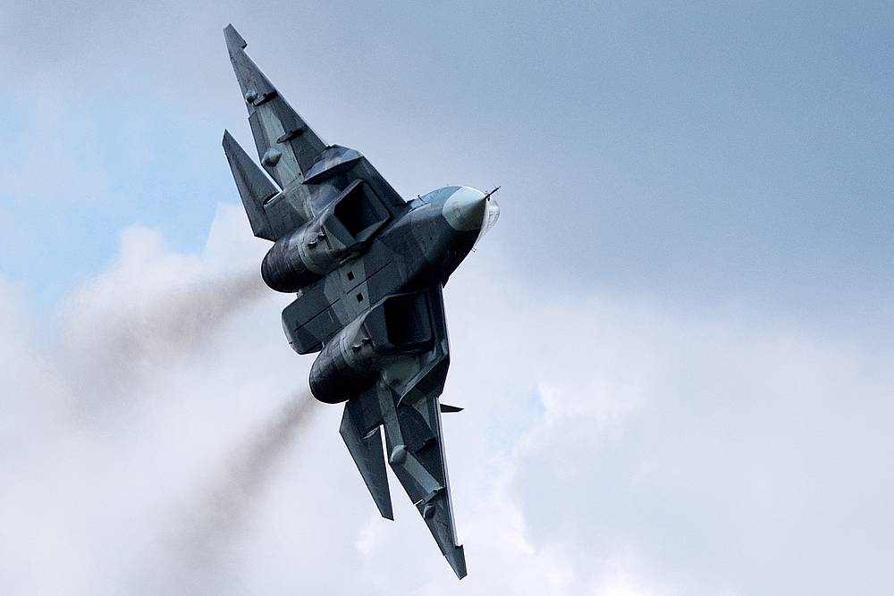 T-50 fighter jet in flight during the Air Darts competition at Dubrovichi Firing Range, part of the 2015 Army Games