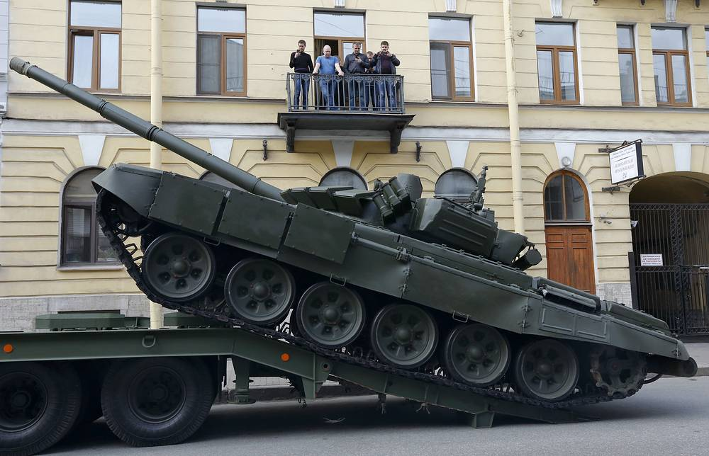Russian T-72 tank being unloaded prior to the rehearsal in St. Petersburg