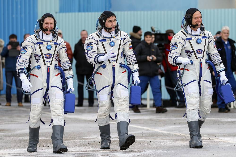 Expedition 46/47 crew members, ESA astronaut Timothy Peake, Russian cosmonaut Yuri Malenchenko and NASA astronaut Timothy Kopra, 2015