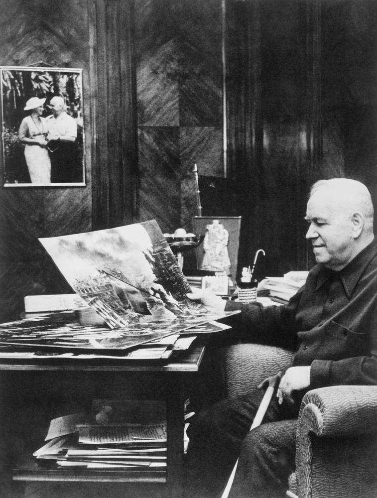 Georgy Zhukov was married twice and had three daughters. He died on 18 June 1974 and was buried on the Red Square next to the Kremlin walls. Photo: Soviet Marshal Georgy Zhukov looking at the photos made by famous Soviet photographer Yevgeny Khaldei, 1972