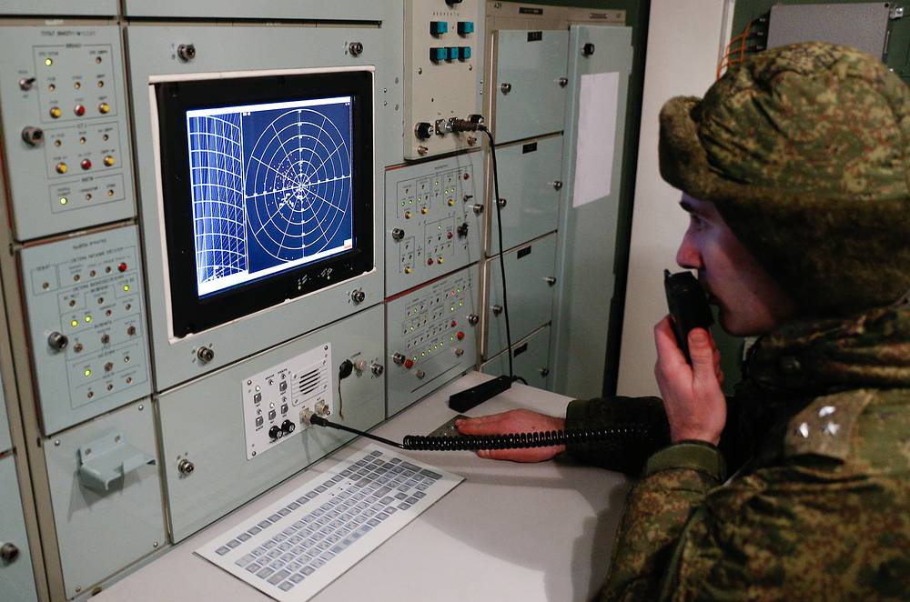 A soldier of the Russian Baltic Fleet's air defence unit during a military training involving S-400 Triumf air defence missile systems