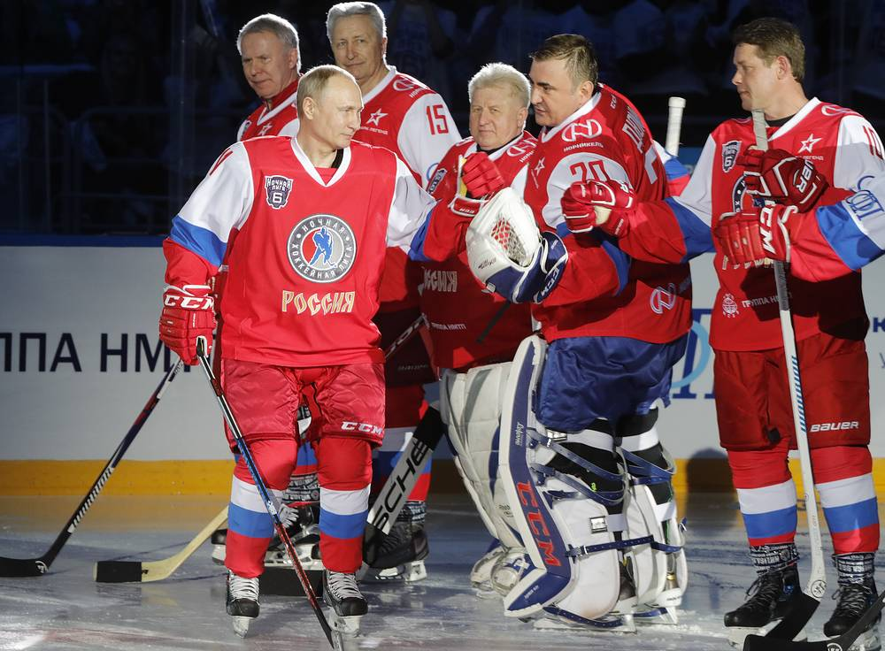 Russia's President Vladimir Putin, Tula Region Governor Alexei Dyumin, World Legends Hockey League President Pavel Bure, Russian State Duma member Viacheslav Fetisov, Night Hockey League President Alexander Yakushev and Soviet goaltender Vladimir Myshkin