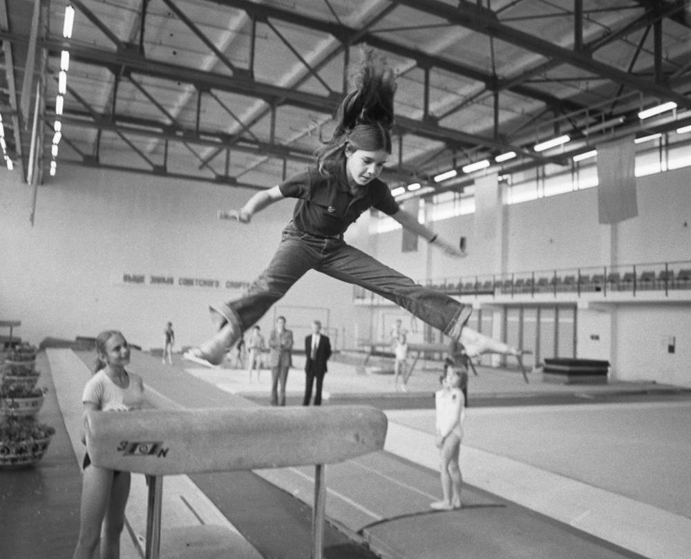 Samantha Smith during a visit of the sports complex in Krylatskoye, Moscow, 1983