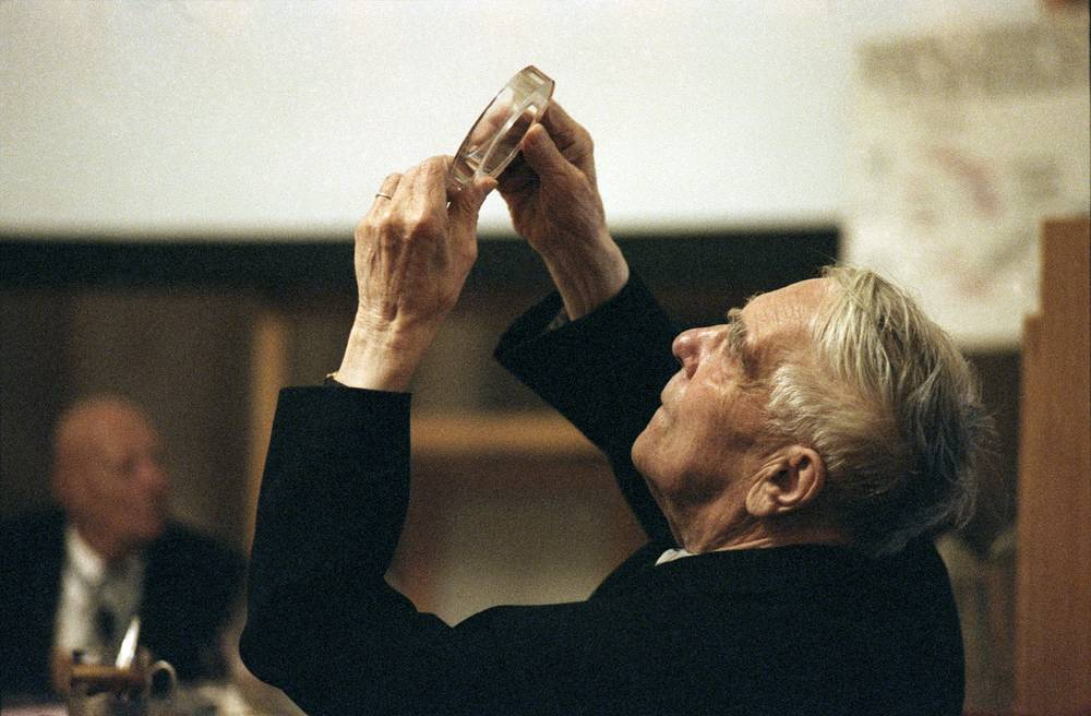 """One half of the Nobel Prize in Physics 1978 was awarded to Pyotr Kapitsa """"for his basic inventions and discoveries in the area of low-temperature physics"""""""