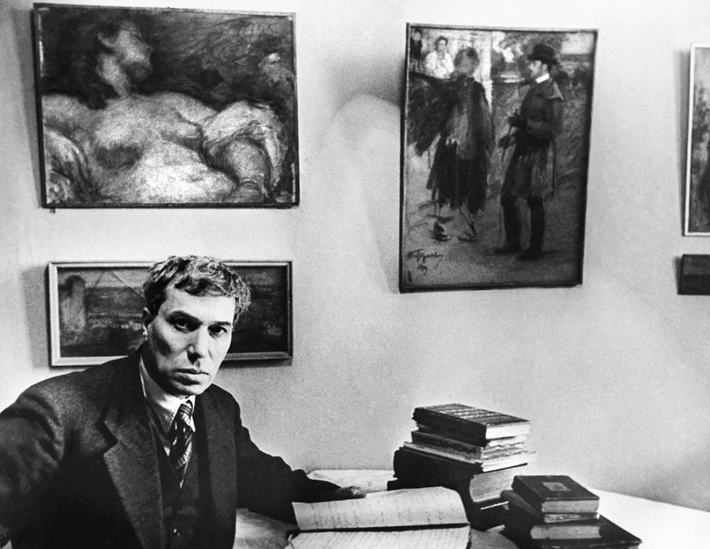 """In 1958, the Nobel Prize in Literature was awarded to Boris Pasternak """"for his important achievement both in contemporary lyrical poetry and in the field of the great Russian epic tradition"""""""