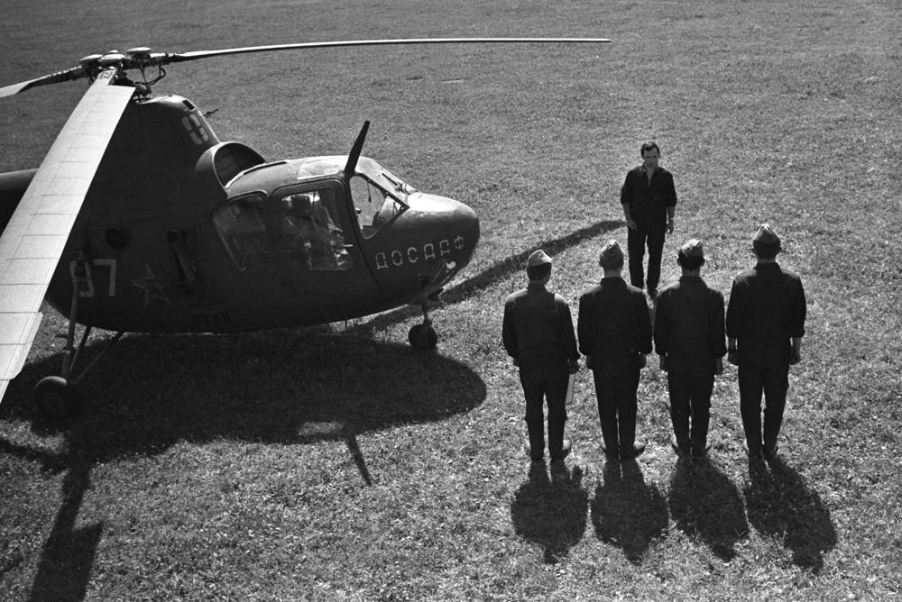 Mi-1 helicopter. It was the first Soviet helicopter to enter serial production.  More than 1,000 were built in the USSR and 1,594 in Poland, as SM-1