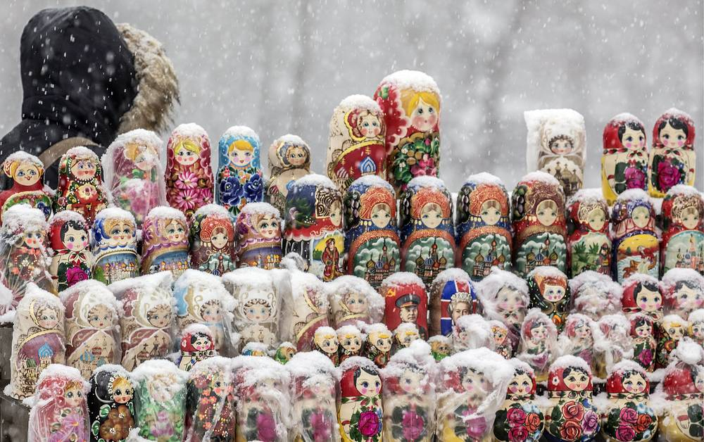 Matryoshka dolls for sale on Moscow's Sparrow Hills