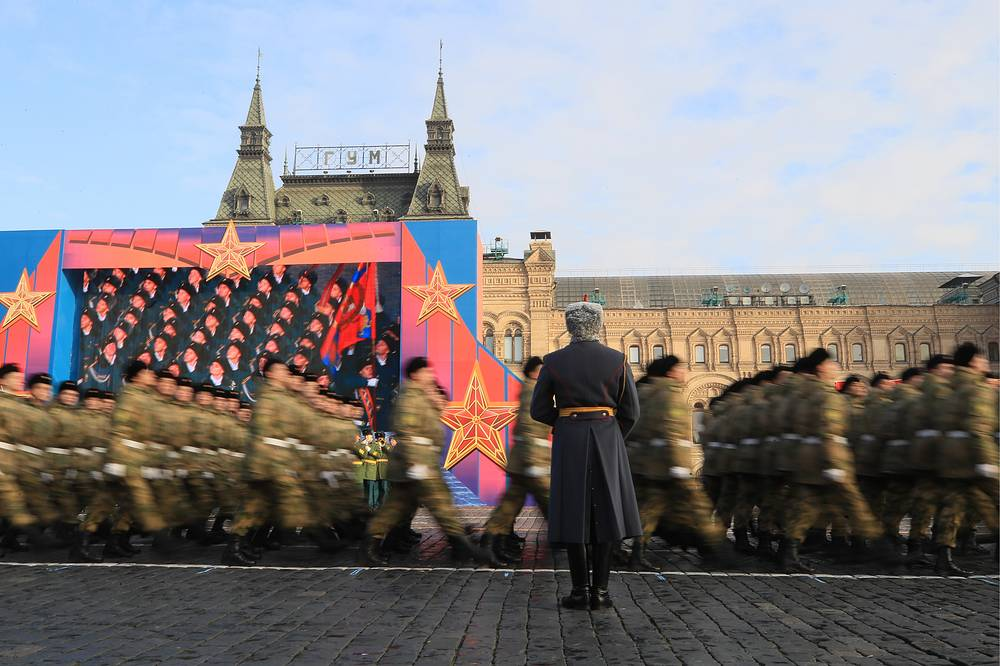 About 5,000 people marched along Red Square to celebrate the event