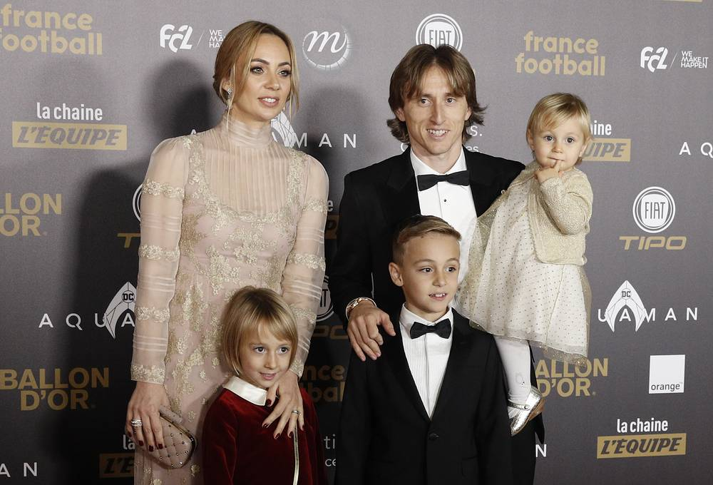 Real Madrid's Luka Modric, his wife Vanja Bosnic and their children