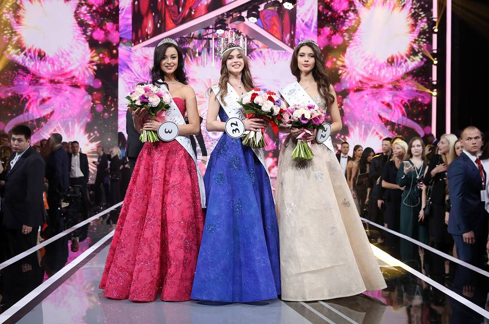 1st runner-up Arina Verina, Miss Russia 2019 Alina Sanko and 2nd runner-up Ralina Arabova