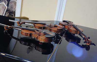 Russian customs nabs French nationals red-handed smuggling Stradivarius violin