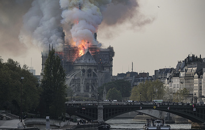 "Fire at Notre Dame cathedral ""irreperable loss"" – Russian embassy"