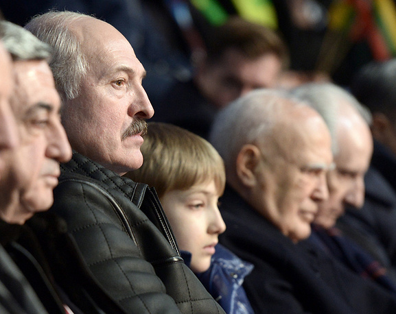Left to Right: Armenian President Serzh Sargsyan, Belarusian President Alexander Lukashenko with his son Nikolai, Greek President Karolos Papoulias and Jacques Rogge