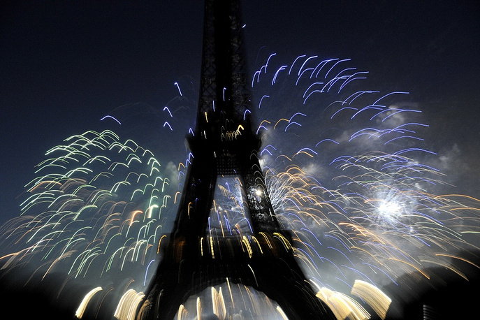 The Eiffel Tower is owned by Paris authorities. Photo: festive fireworks on the Bastille day in 2010