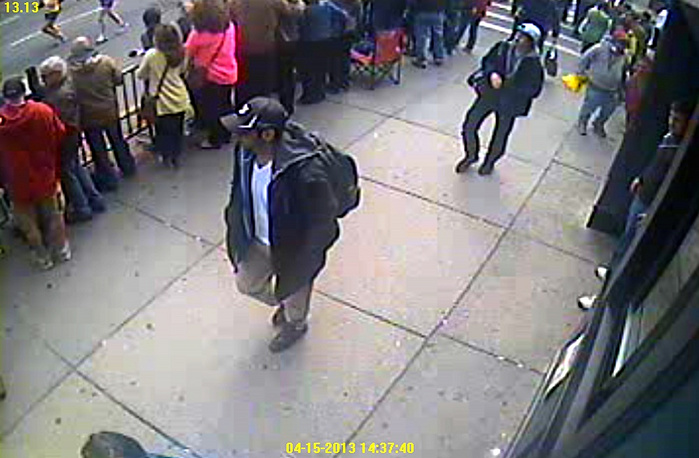 The images were made with a CCTV camera. On one of the recordings a man in a white cap is seen leaving a backpack in the place where the explosion occurred moments after