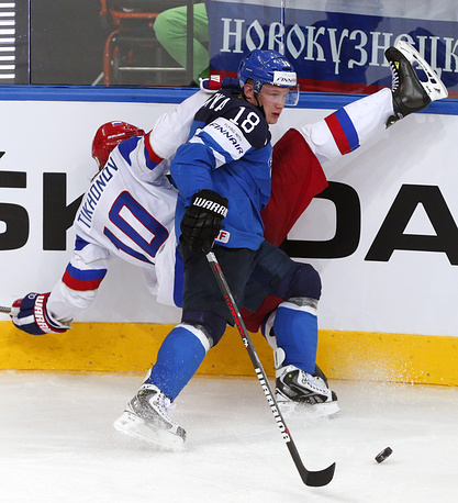 Viktor Tikhonov (L) of Russia and Tuukka Mantyla (R) of Finland