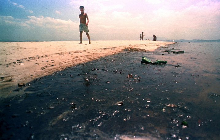 On January 2000 a 8,000 barrel oil spill happened in Guanabara Bay in Brazil from the oil refinery at Duque de Caxias (REDUC) operated by Petrobras. It's the biggest environmental disaster in the history of Rio de Janeiro