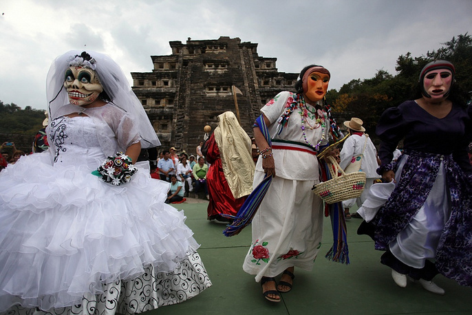 One of Mexico's most famous festivals, the Day of the Dead, is celebrated with a picnic on a cemetery