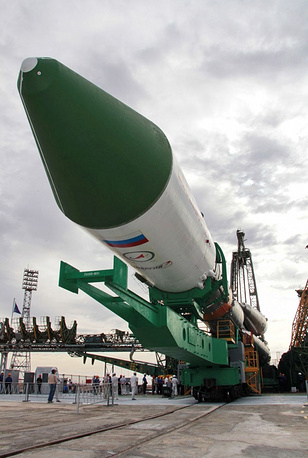 Soyuz-U carrier rocket on its way to the launch pad
