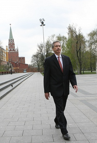 William J. Burns was the US ambassador to Russia in 2005-2008. During his tenure the US Embassy was developing contacts with Russian regions, including Samara, Yekaterinburg, Chelyabinsk, St. Petersburg, Nizhny Noovgorod and Kazan etc. In 2013, the White House appointed Burns to hold negotiations with Russia on the possible handover of fugitive NSA whistleblower Edward Snowden.
