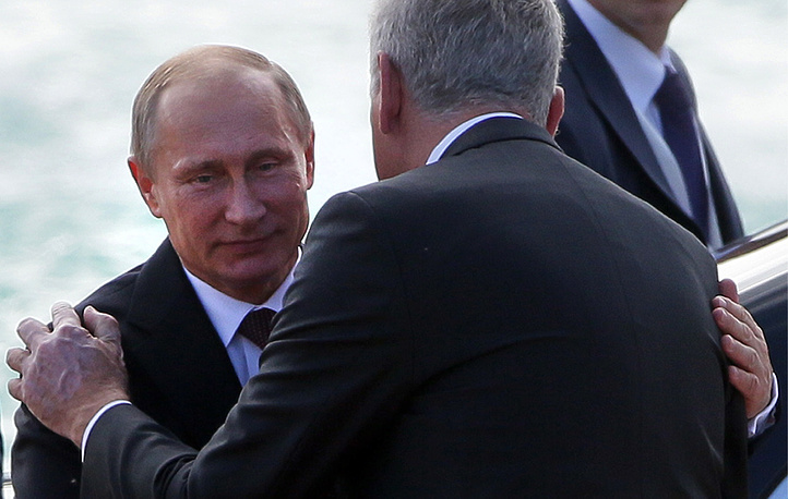 Photo: Vladimir Putin and Tomislav Nikolic at a welcoming ceremony,  Belgrade, Serbia, 16 October 2014