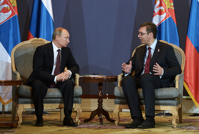 Russia's President Vladimir Putin and Serbia's Prime Minister Aleksandar Vucic at a meeting in Belgrade, Serbia, 16 October 2014
