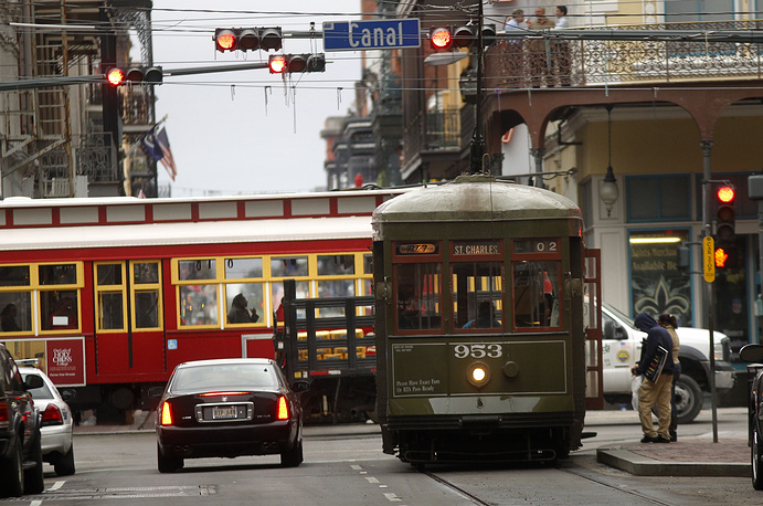 Photo: Streetcars are seen in downtown New Orleans, USA
