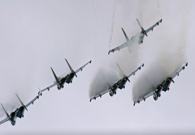 A team of Sukhoi Su-27s was originally formed on April 5, 1991 at the Kubinka Air Base. Photo: Russian Knights aerobatic team performs maneuvers during celebrations marking the 65th anniversary of the 16th Air Force formation