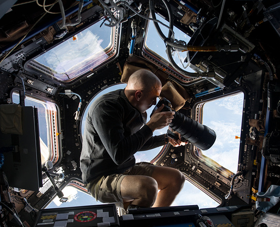 The ISS programme is a joint project among five participating space agencies: NASA, Roscosmos, JAXA, ESA, and CSA. Photo: NASA astronaut Chris Cassidy inside the Cupola of the International Space Station