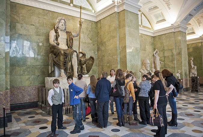 Hermitage's collection of antiquities consists of 170 thousand items. Photo: Statue of Jupiter on display at Hermitage Museum