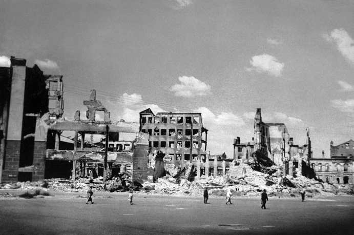 Centre of Stalingrad damaged after attack of Nazi troops, 1943