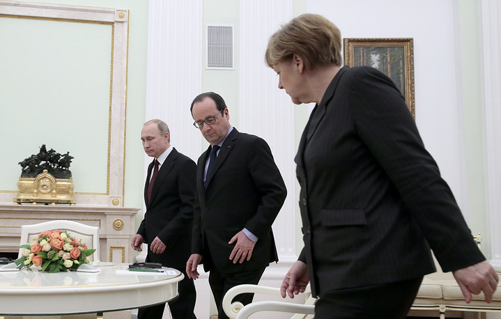 5 hours talks to settle Ukrainian crisis were held between Russian president Vladimir Putin, French president Francois Hollande and German chancellor Angela Merkel in Moscow on February 7